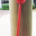 Tintinnabuleur sur piquet en bois