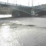 le fleuve Rhône en crue